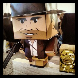 Indiana! #Papertoy #cubeecraft #instagrandroid #Instadroid #android #paper #art #toy (Publicado com Instagram, no 80 20 Marketeria Digital)