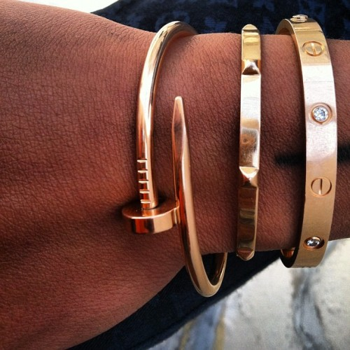 amouralalumiere:  cartier + hermes + cartier = major wrist envy!!
