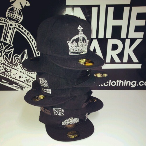 Crown snapback £19.99 available on our website. #snapbackback #snapback #snapbacks #caps #headwear #inthedark #inthedarkclothing #instagram #skateboard #bmx #uksnapback #uksnapbackscene #ukbrand #ukclothingbrand #ukclothing #purple #yellow #birds (Taken with Instagram at www.inthedarkclothing.co.uk)