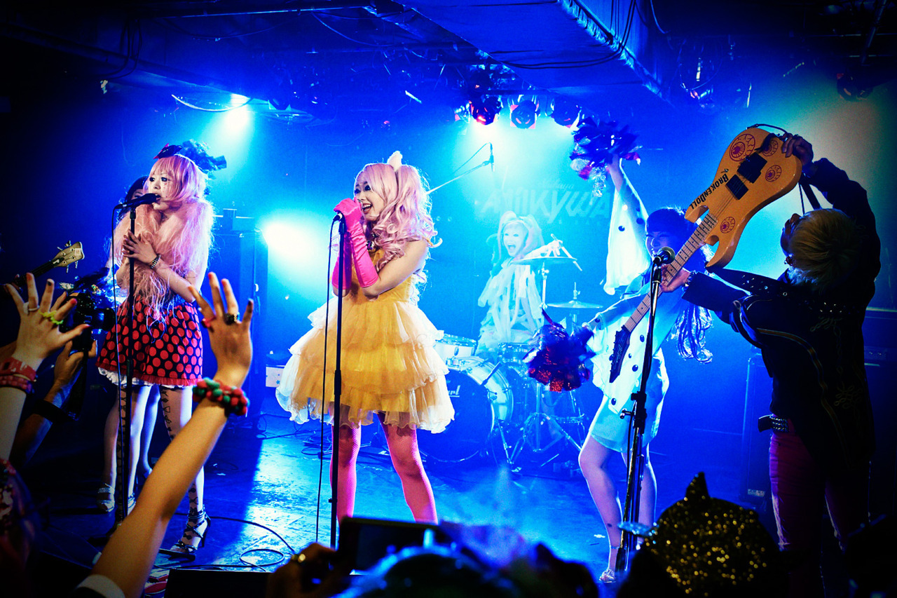 Broken Doll x The Lady Spade on stage together last night in Shibuya at Pop N Cute. Full report w/ lots of pictures & video coming soon! :-)