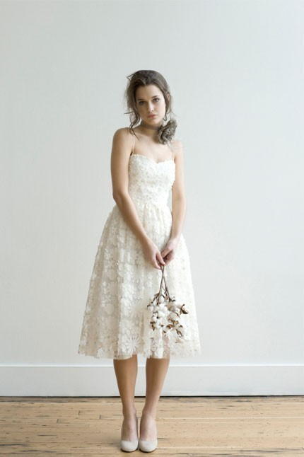 bridalsnob:  Simple. Smart. Versatile. Such a delightful wedding dress.