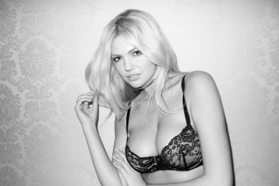 (via Kate Upton by Terry Richardson - Touchpuppet)
