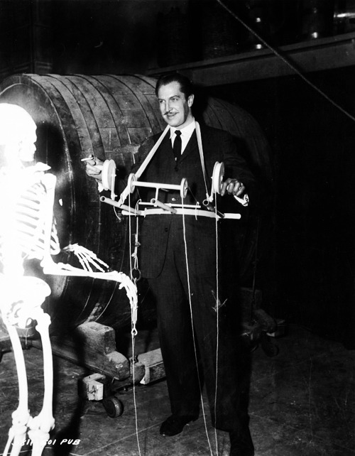 Vincent Price on the set of House on Haunted Hill (1959)
