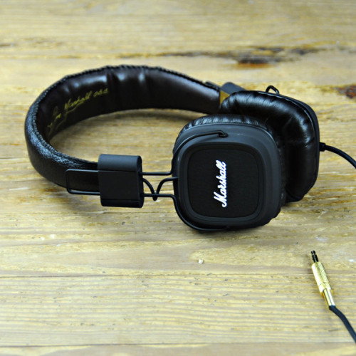whereisthecoool:  Marshall Headphones
