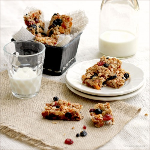 Homemade Granola Bars  | by Lynda Balslev from TasteFood