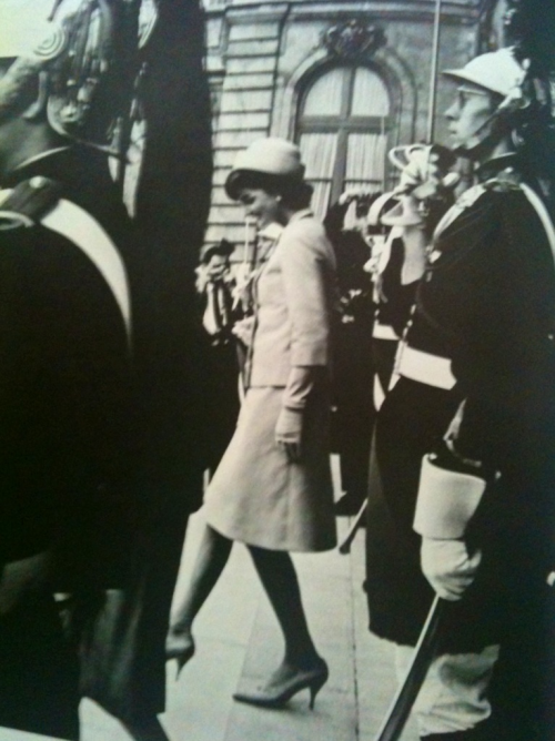 Jacqueline Kennedy leaving the Élysée Palace