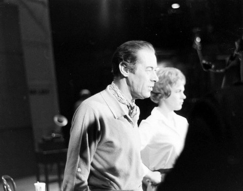 Julie Andrews and Rex Harrison in My Fair Lady in Broadway. I found this one googling.