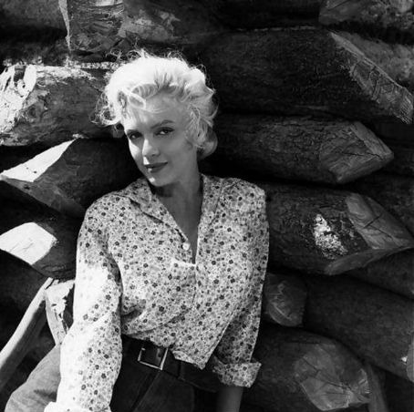 thebeautyofmarilyn:  Marilyn photographed on the set of The River Of No Return, 1954