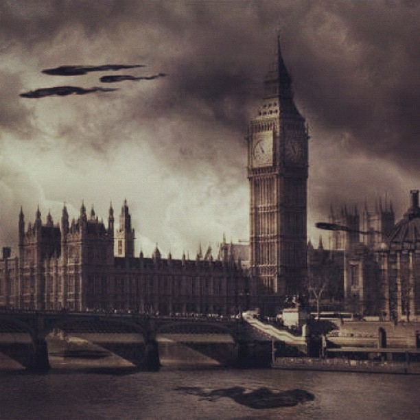Death eaters in London #harrypotter #london #deatheaters #magic #bigben #parliamenthouse #harry #potter #photoshop (Taken with instagram)