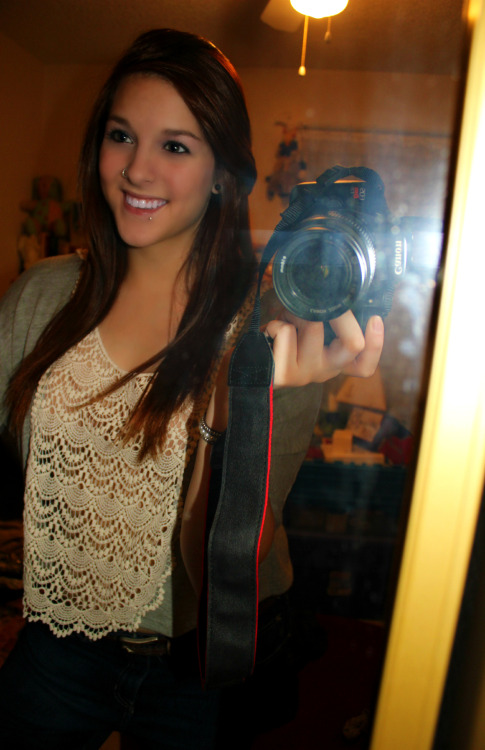 shameless mirror pic.  *~$%MYspazeiZboMB$%$~*