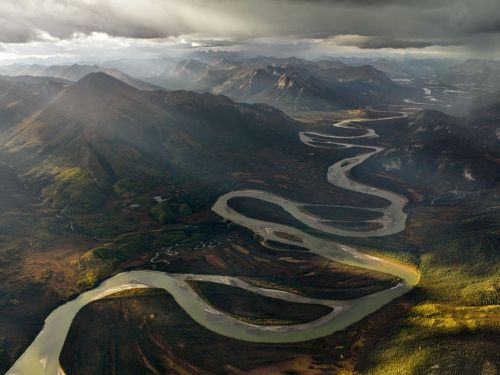 mmmearthporn:  Alatna River Valley, Gates of the Arctic