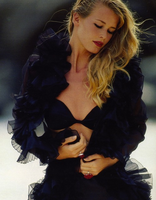 """Le Noir Vénusien"":Claudia Schiffer photographed by Hans Feurer for Elle France, May 1992"