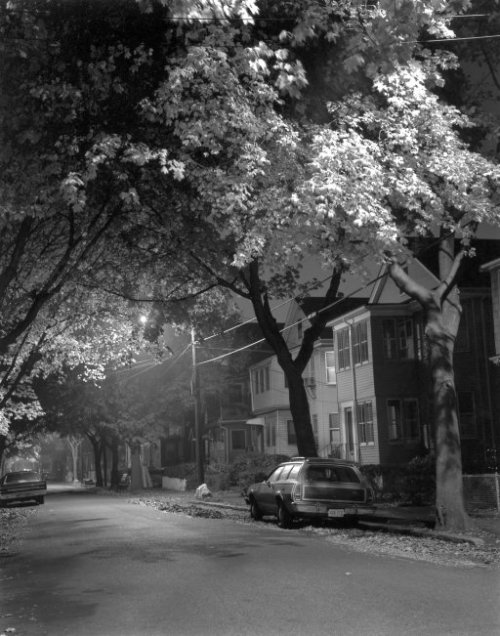 (via A Quiet Night: 1977 | Shorpy Historical Photo Archive)