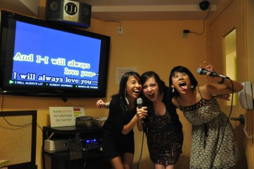 Today was awesome. I love to karaoke. And I love my friends. :)