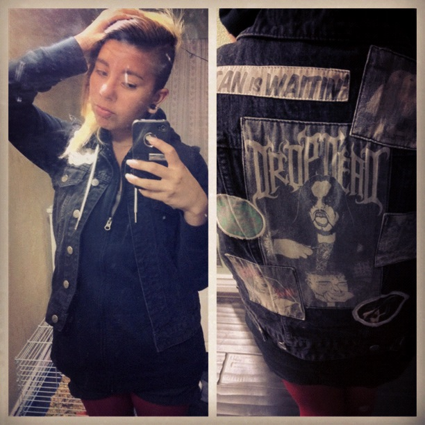 Today's outfit . I stretched my ears to 1/2's today too (':