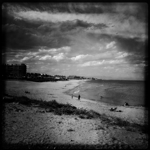 La playa Torrevieja #torrevieja2012 John S Lens, Rock BW-11 Film, No Flash, Taken with Hipstamatic