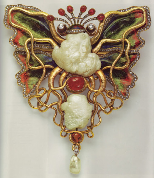 "Circa 1900. Brooch by Wilhelm Lucas von Cranach, entitled ""Tintenfisch und Schmetterling"" (Octopus and Butterfly). (via TYWKIWDBI (""Tai-Wiki-Widbee""): An ""octopus and butterfly"" brooch (1900))"