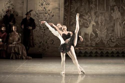 thedailyballet:  Leonid Sarafanov and Oksana Bondareva in Swan Lake. Photo by Nikolay Krusser.