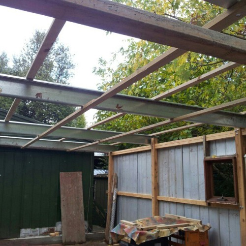 Helped dad put the roof on his new shed today #build #roof #shed #mancave #workshop (Taken with instagram)
