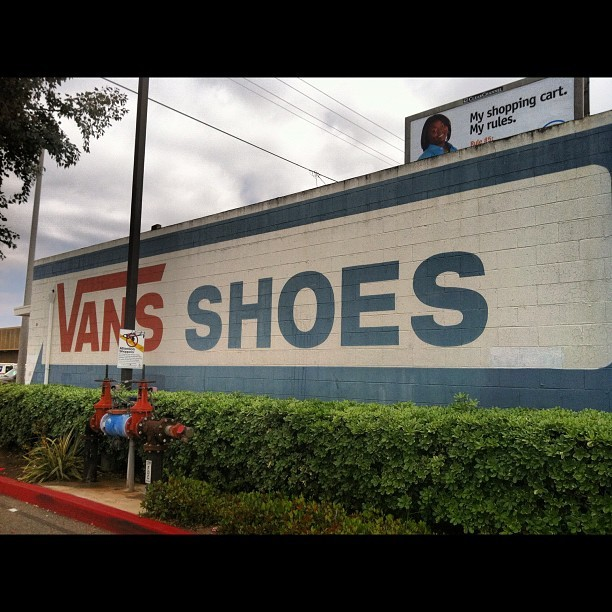 paulxdove:  #bestcoast #vans #offthewall  (Taken with instagram)