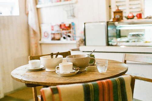 0wlsandlights:  Cafe Lotta (by yuqicoo)