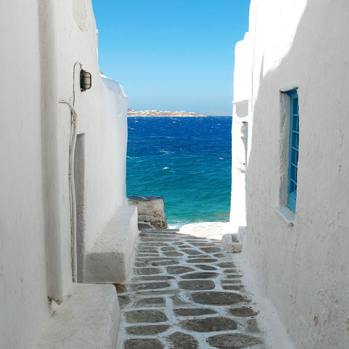 Seaside alley, Mykonos | Greece