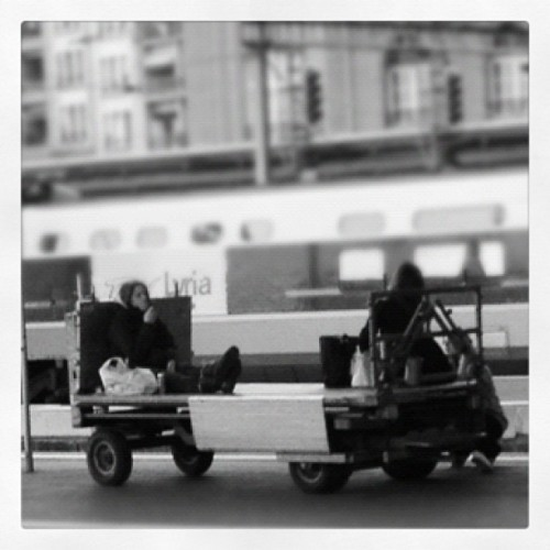 #streetphotography #lausanne #switzerland #trainpeople  (Pris avec instagram)