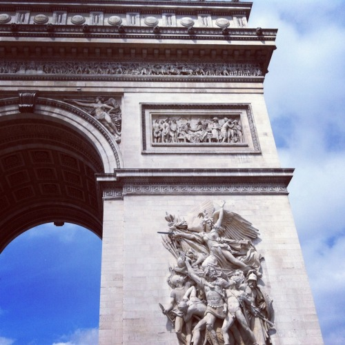 L'arc de Triomphe. Immense and almost overwhelming. -  May 05, 2012 at 04:11AM. /via http://flic.kr/p/bEvRu3