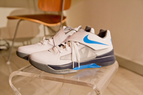 "Nike KD IV - ""my hoop shoes be like the pros (Macklemore)! """