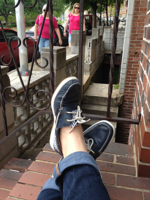 stooping/people watching.