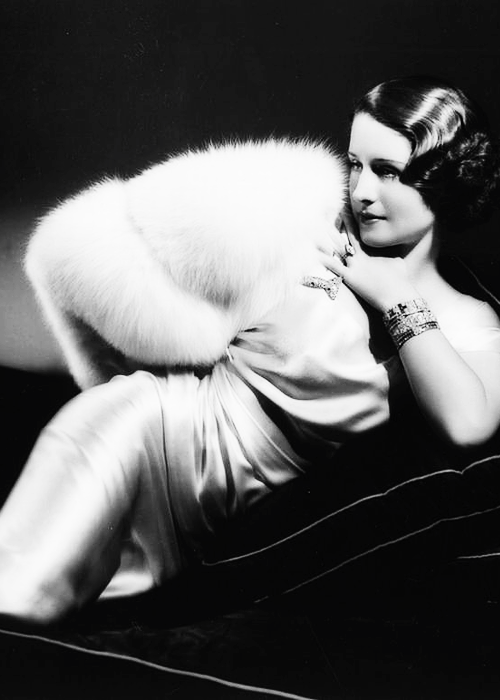 tracylord:   Norma Shearer photographed by George Hurrell