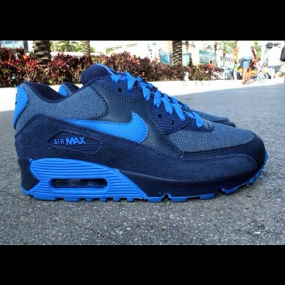 Nike Air Max 90 Midnight Navy Soar Denim #nike #air #max #shoes #kicks #kickz #swag #fashion #cool #fresh #fly #photography #illustration #graphic #blue #denim #navy #midnight #90 (Taken with instagram)