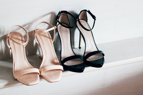 what-do-i-wear:  I'm in love with these Black Zara Heels (image: kayture)