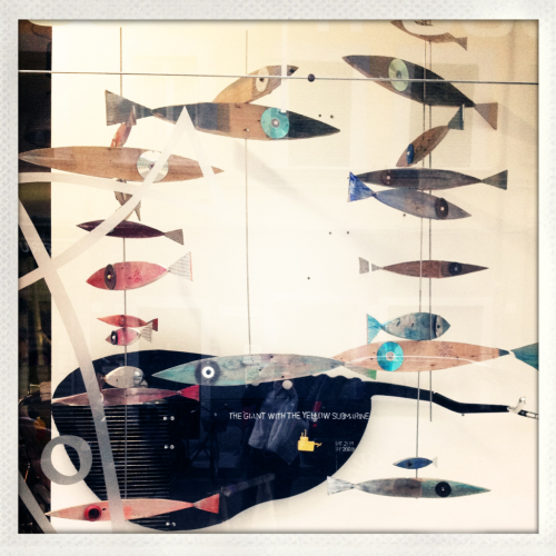 Would love to have some of these arty fishies at home… :-)