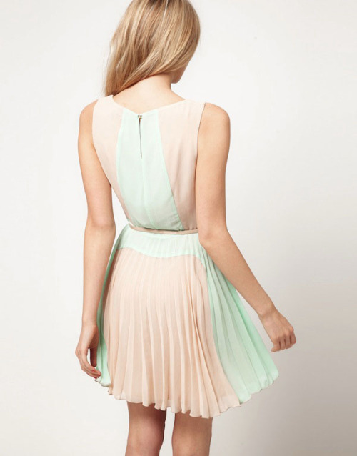 everlytrue:  [Color Block Pleat Dress by ASOS]