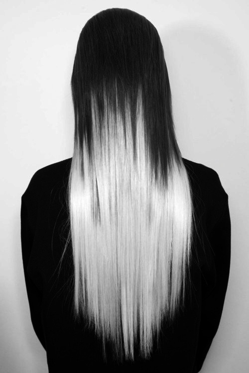stoned-immaculately:  i could see my moon w her hair like this. she would pull it off so nicely..  (via imgTumble)