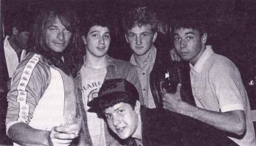 awesomepeoplehangingouttogether:  David Lee Roth, Sean Penn and the Beastie Boys