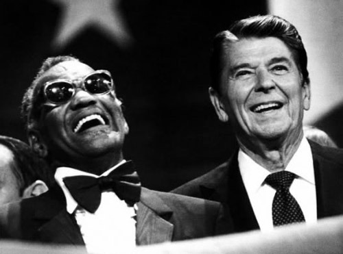 awesomepeoplehangingouttogether:  Ray Charles and Ronald Reagan  OOOOOOOOOOHHHHHHHH, politically controversial!