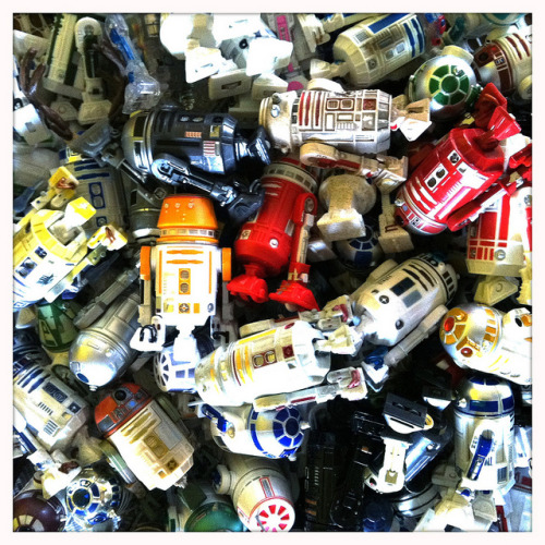 franitz:  R2-D2 and Atromech Droid Collection By Tessek: http://www.flickr.com/photos/40600590@N02/