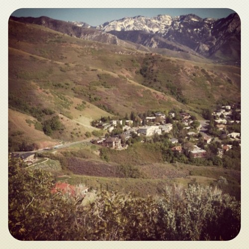 Houses #location #mountains #nature  (Taken with instagram)