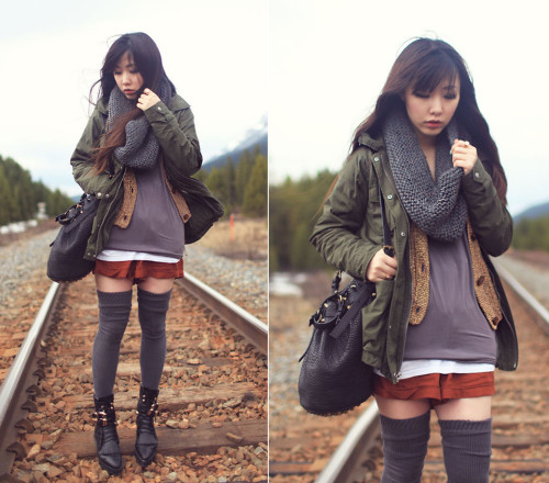 lookbookdotnu:  On the way. (by Ivy Xu)