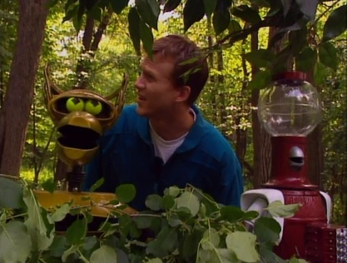 Servo is too cute. fuckyeahmst3k:  ninaprettyballerina:  Why are we in a sylvan glen?  Fishin'? ….No, thanks.