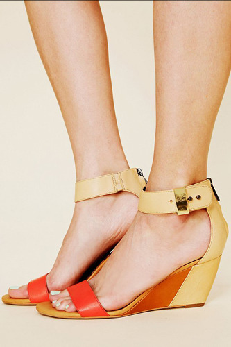 (via Graduation Shoes You'll Actually Want To Wear Again)