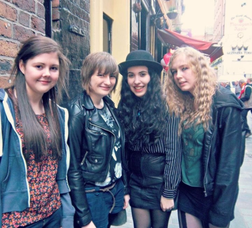 This was us before meeting The Black Belles yesterday and look me and Erin (deanfertita) are stood next to each other and it is tangible.