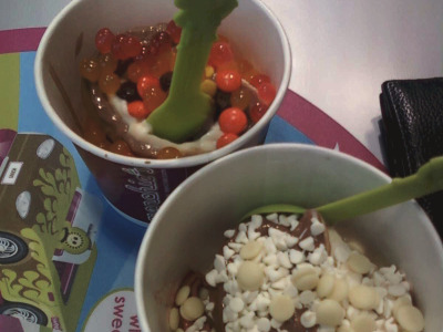 Menchie's Frozen Yogurt Bar on Cambie Street
