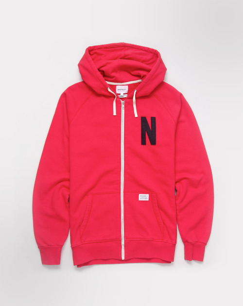 NORSE PROJECTS  Magnus hooded in Red.