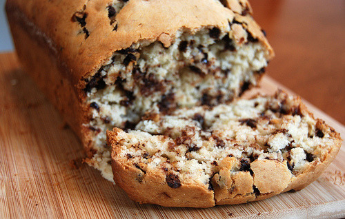 diet-killers:  Chocolate Chip Banana Bread 012 (by Kelli Wong Photography)
