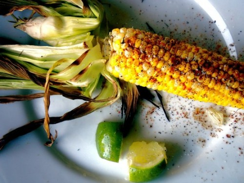 ratak-monodosico:  Grilled Corn with Lime and Cilantro