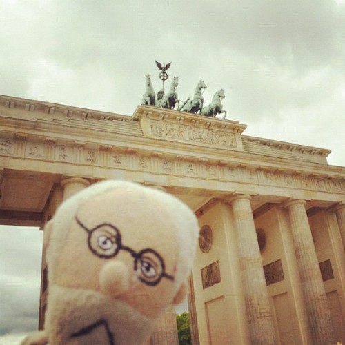 Freud & Brandenburger Tor  (Taken with Instagram at Brandenburger Tor)