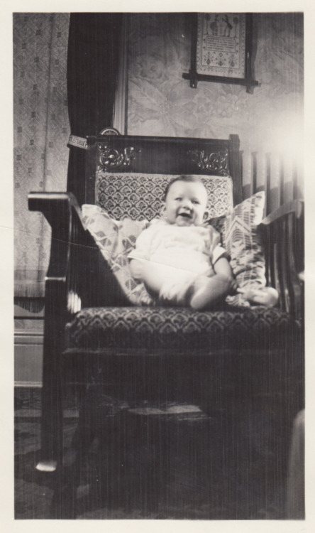 Happy baby I'm probably related to, 1930s.